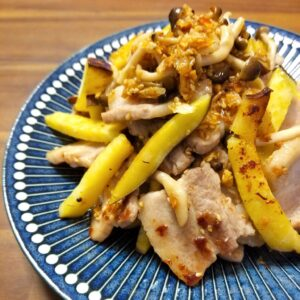 サツマイモと豚肉の是好醤炒め